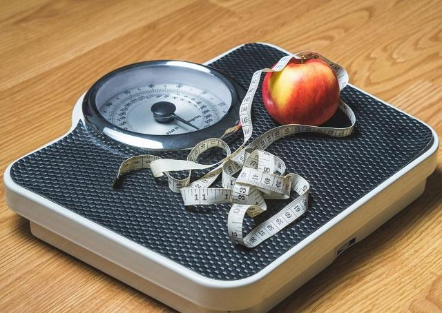 zaburzenia łaknienia, dojrzewanie, nastolatki, anoreksja, bulimia